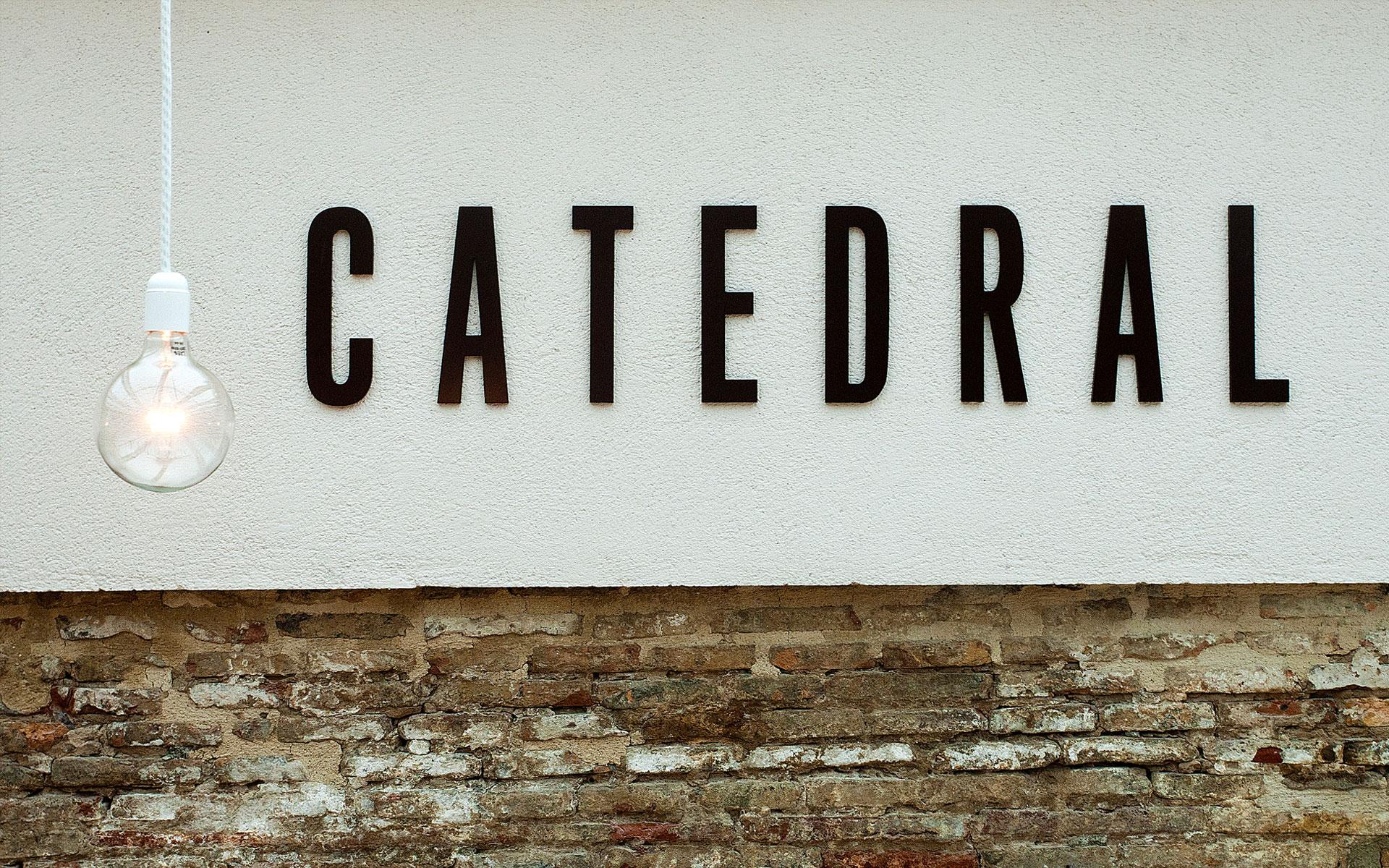 Catedral Gastrobar Diseño Logotipo Logo Gráfica Aplicada